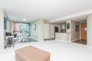 """Photo 9: 1703 889 HOMER Street in Vancouver: Downtown VW Condo for sale in """"889 HOMER"""" (Vancouver West)  : MLS®# R2484850"""