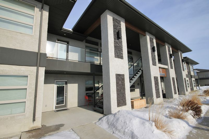 FEATURED LISTING: 205 - 1228 Old PTH 59 Highway Ile Des Chenes