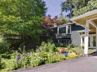 Photo 4: 3751 ROBLIN Place in North Vancouver: Princess Park House for sale : MLS®# R2485057
