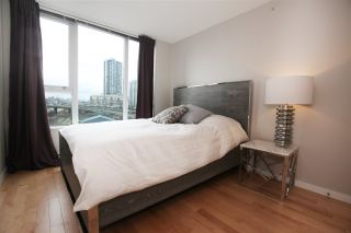 "Photo 10: 606 33 SMITHE Street in Vancouver: Yaletown Condo for sale in ""Coopers Lookout"" (Vancouver West)  : MLS®# R2440133"