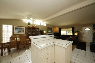 """Photo 4: 41532 RAE Road in Squamish: Brackendale House for sale in """"Brackendale"""" : MLS®# R2133343"""