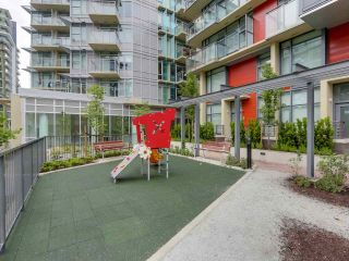 """Photo 9: 310 88 W 1ST Avenue in Vancouver: False Creek Condo for sale in """"THE ONE"""" (Vancouver West)  : MLS®# R2077463"""