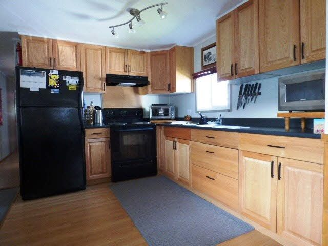 """Photo 2: Photos: 25 45111 WOLFE Road in Chilliwack: Chilliwack W Young-Well Manufactured Home for sale in """"FRASER VILLAGE"""" : MLS®# R2126124"""