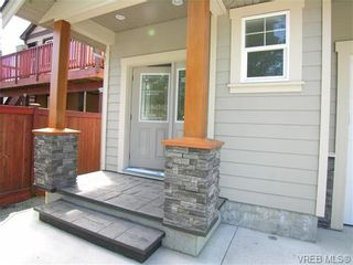 Photo 3: 2302 Belair Rd in VICTORIA: La Thetis Heights House for sale (Langford)  : MLS®# 675150