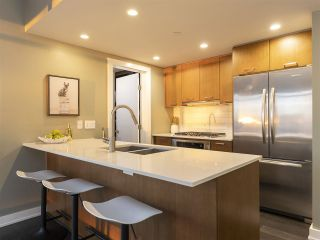 """Photo 7: 1507 1372 SEYMOUR Street in Vancouver: Downtown VW Condo for sale in """"The Mark"""" (Vancouver West)  : MLS®# R2402457"""