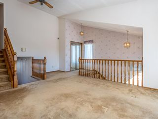 Photo 3: 72 Edforth Crescent NW in Calgary: Edgemont Detached for sale : MLS®# A1091281
