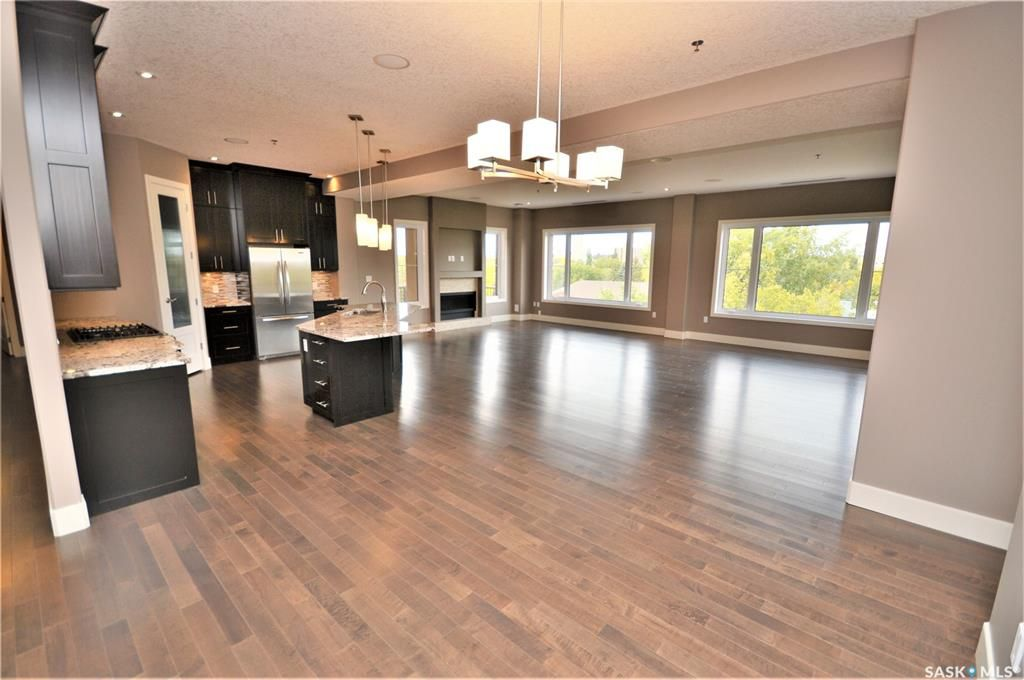 Main Photo: 501 205 Fairford Street East in Moose Jaw: Hillcrest MJ Residential for sale : MLS®# SK860361