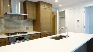 """Photo 2: 906 5629 BIRNEY Avenue in Vancouver: University VW Condo for sale in """"Ivy on the Park"""" (Vancouver West)  : MLS®# R2555747"""