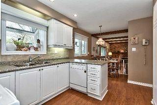 Photo 4: 151 Castle Crest in Oakville: Eastlake House (2-Storey) for sale : MLS®# W2882066