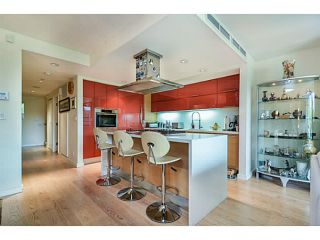 """Photo 4: 107 8 SMITHE MEWS Mews in Vancouver: Yaletown Townhouse for sale in """"THE FLAGSHIP"""" (Vancouver West)  : MLS®# V1075648"""
