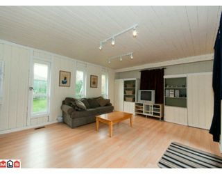 """Photo 9: 5885 ANGUS Place in Surrey: Cloverdale BC House for sale in """"JERSEY HILLS"""" (Cloverdale)  : MLS®# F1004441"""