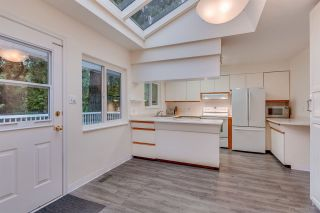 """Photo 10: 1381 CHINE Crescent in Coquitlam: Harbour Chines House for sale in """"Harbour Chines"""" : MLS®# R2262482"""