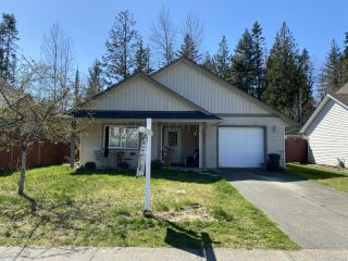 Photo 1: 1471 Krebs Cres in : CV Courtenay City House for sale (Comox Valley)  : MLS®# 871295