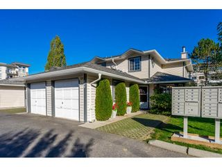 Photo 1: 109 5360 201 Street in Langley: Langley City Townhouse for sale : MLS®# R2314049