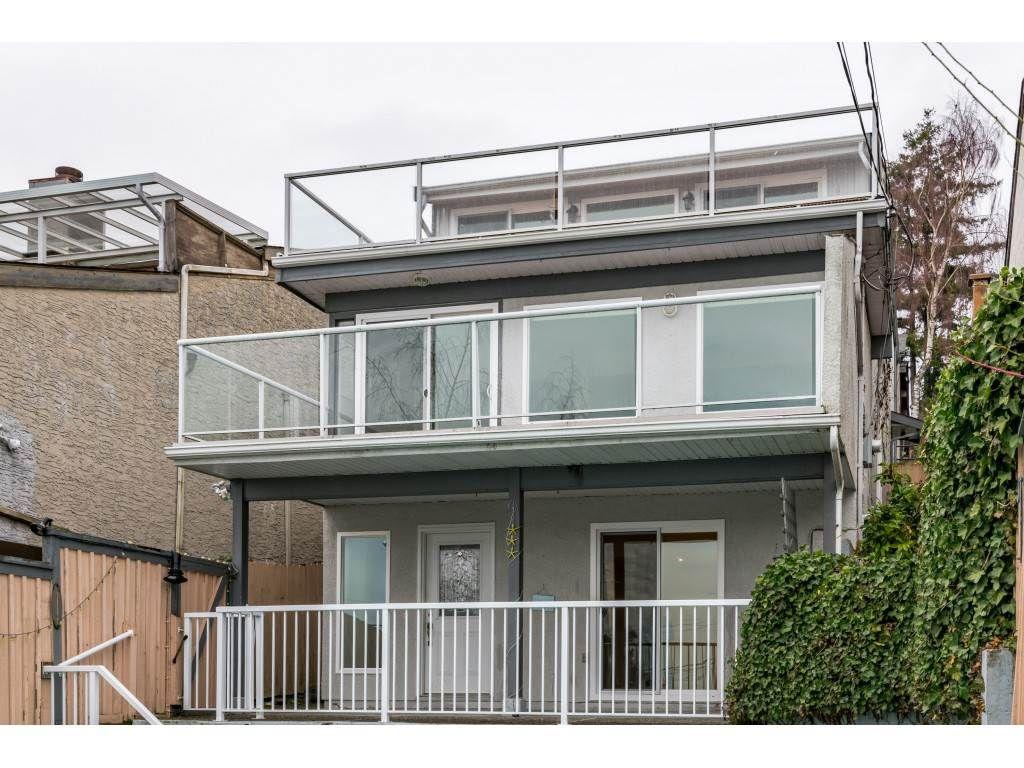 Main Photo: 15123 COLUMBIA Avenue: White Rock House for sale (South Surrey White Rock)  : MLS®# R2424989