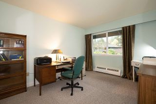 """Photo 19: 104 235 KEITH Road in West Vancouver: Cedardale Townhouse for sale in """"SPURAWAY GARDENS"""" : MLS®# R2518546"""