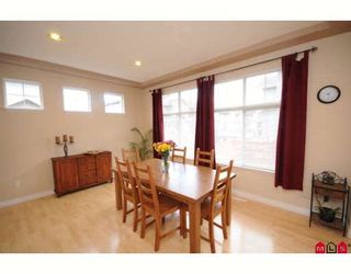 """Photo 3: 39 16760 61ST Avenue in Surrey: Cloverdale BC Townhouse for sale in """"HARVEST LANDING"""" (Cloverdale)  : MLS®# F2903413"""