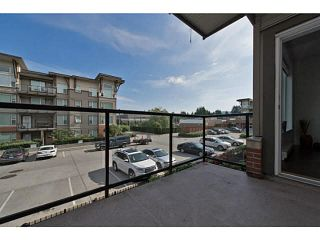 """Photo 2: 202 33539 HOLLAND Avenue in Abbotsford: Central Abbotsford Condo for sale in """"The Crossing - Building B"""" : MLS®# R2517839"""