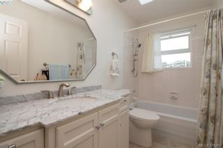 Photo 11: 8 709 Luscombe Pl in VICTORIA: Es Esquimalt House for sale (Esquimalt)  : MLS®# 825765
