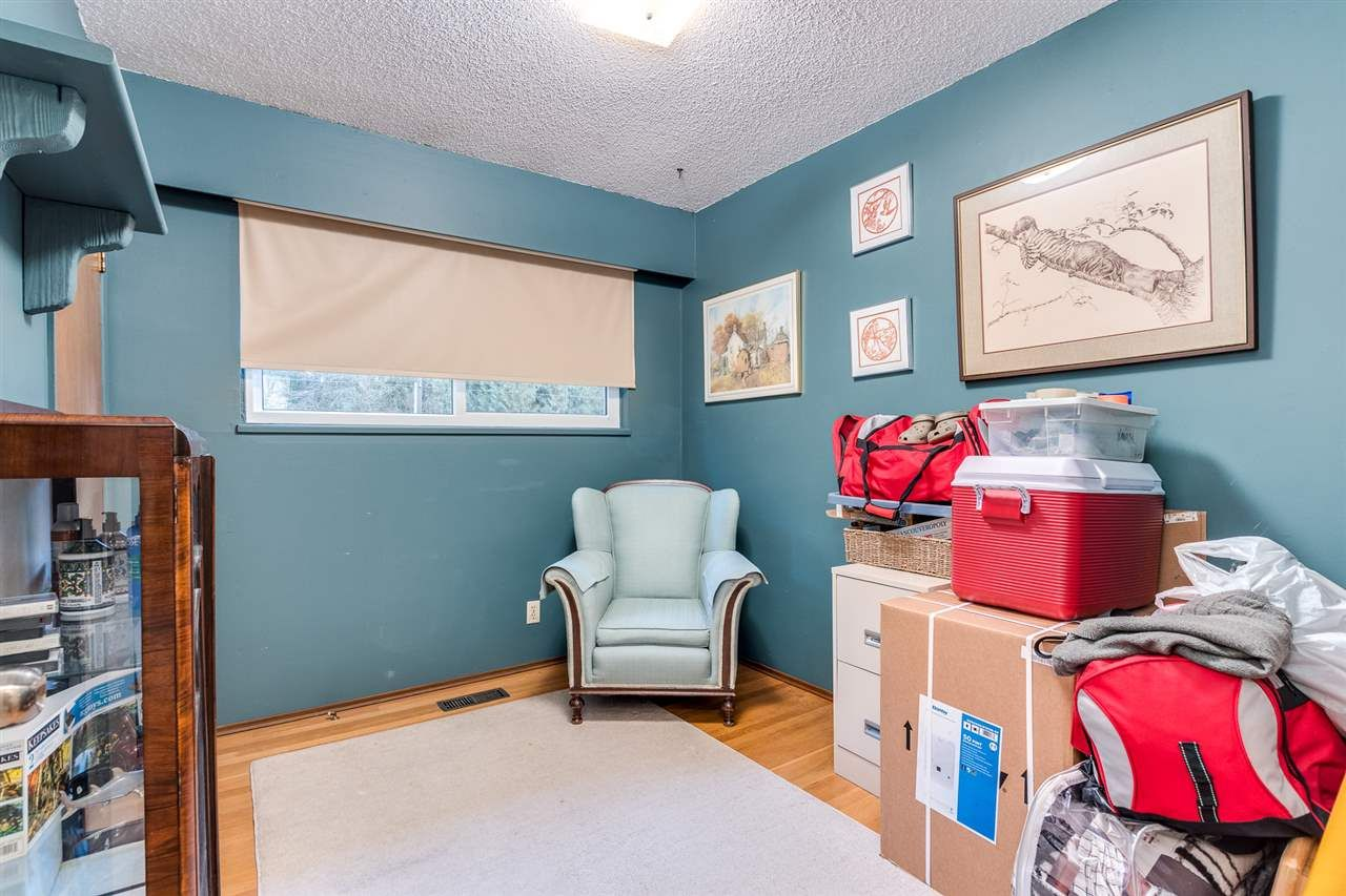 Photo 15: Photos: 3655 COAST MERIDIAN Road in Port Coquitlam: Glenwood PQ House for sale : MLS®# R2528909