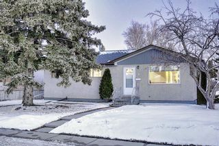 Photo 3: 4 Rossburn Crescent SW in Calgary: Rosscarrock Detached for sale : MLS®# A1073335