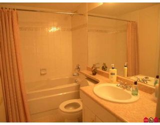 "Photo 9: 207 15340 19A Avenue in Surrey: King George Corridor Condo for sale in ""Stratford Gardens"" (South Surrey White Rock)  : MLS®# F2812266"