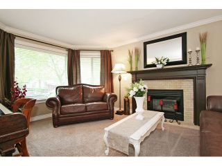 """Photo 2: 21510 83B Avenue in Langley: Walnut Grove House for sale in """"Forest Hills"""" : MLS®# F1442407"""