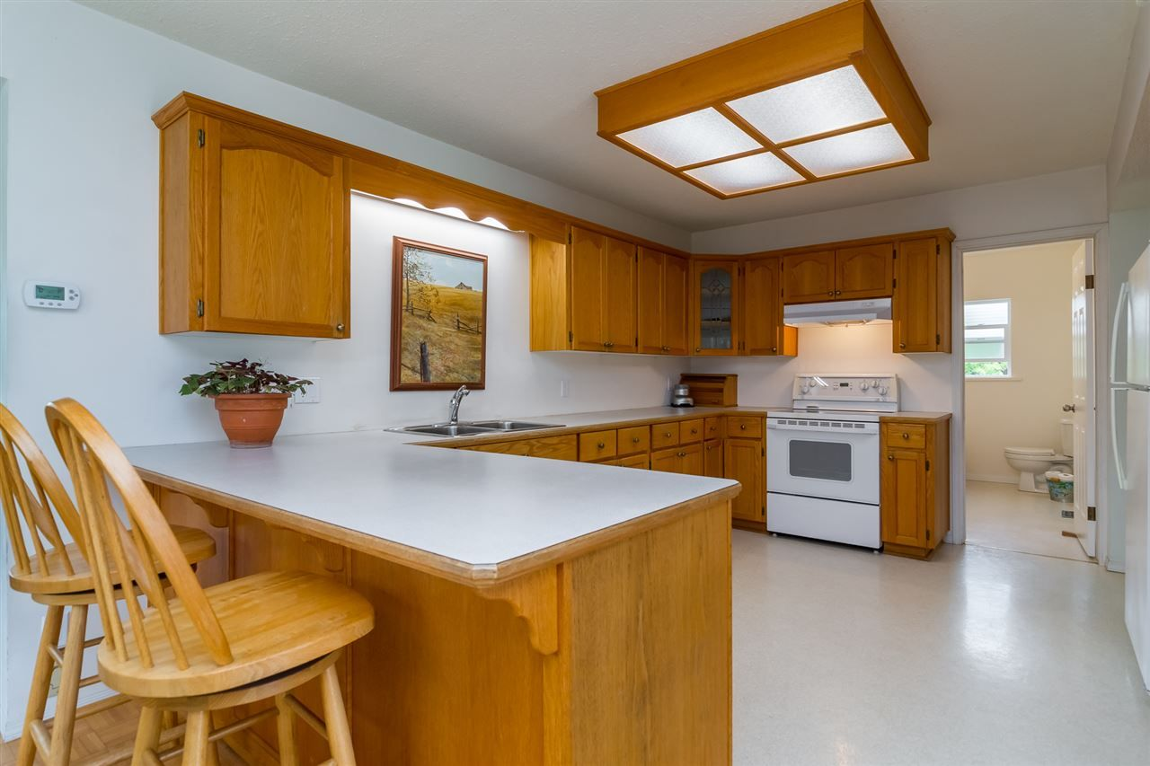 Photo 7: Photos: 3870 STEWART Road: Yarrow House for sale : MLS®# R2165934