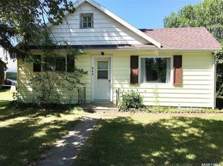Photo 1: 102 2nd Avenue in Dinsmore: Residential for sale : MLS®# SK840827