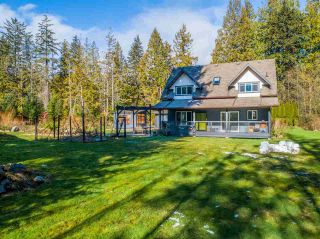 Photo 3: 1215 CHASTER Road in Gibsons: Gibsons & Area House for sale (Sunshine Coast)  : MLS®# R2541518