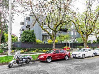 """Photo 1: 202 2885 SPRUCE Street in Vancouver: Fairview VW Condo for sale in """"Fairview Gardens"""" (Vancouver West)  : MLS®# R2572384"""