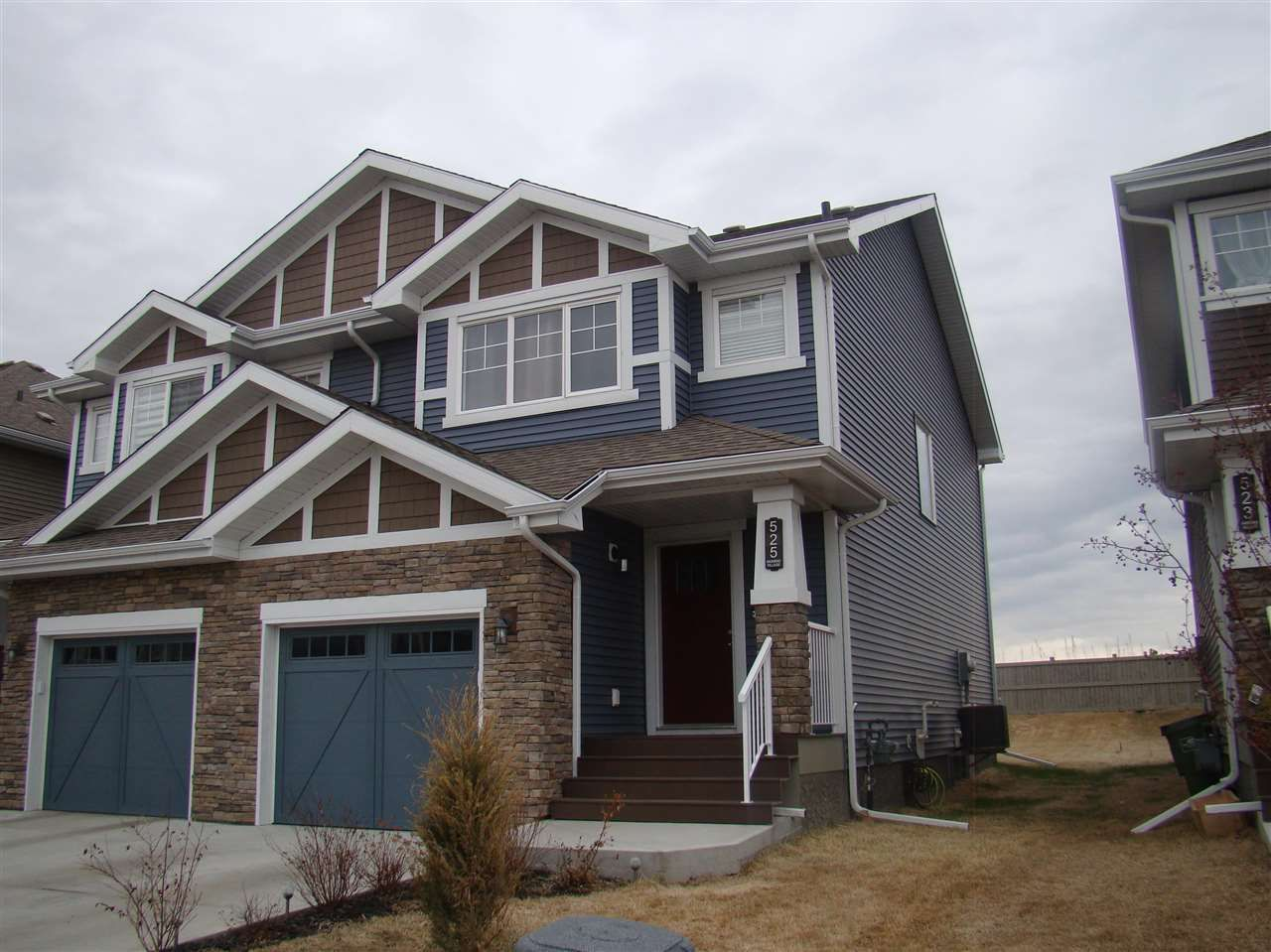 Main Photo: 525 EBBERS Way in Edmonton: Zone 02 House Half Duplex for sale : MLS®# E4241528