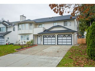 """Photo 2: 6017 189 Street in Surrey: Cloverdale BC House for sale in """"CLOVERHILL"""" (Cloverdale)  : MLS®# R2516494"""