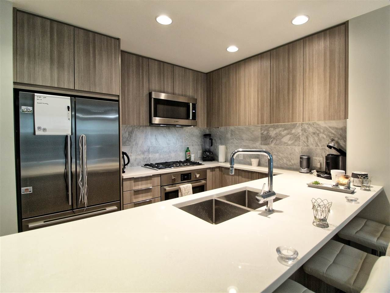 """Main Photo: 110 3289 RIVERWALK Avenue in Vancouver: South Marine Condo for sale in """"R+R"""" (Vancouver East)  : MLS®# R2499453"""
