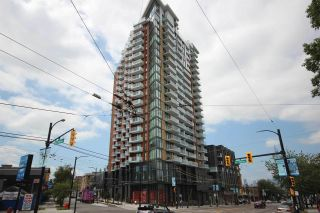 """Photo 2: 1203 285 E 10TH Avenue in Vancouver: Mount Pleasant VE Condo for sale in """"The Independent"""" (Vancouver East)  : MLS®# R2555430"""