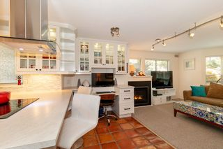 "Photo 8: 101 123 E 6TH Street in North Vancouver: Lower Lonsdale Condo for sale in ""HARBOURGATE"" : MLS®# R2364777"