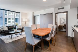 """Photo 4: 1030 68 SMITHE Street in Vancouver: Downtown VW Condo for sale in """"One Pacific"""" (Vancouver West)  : MLS®# R2616038"""