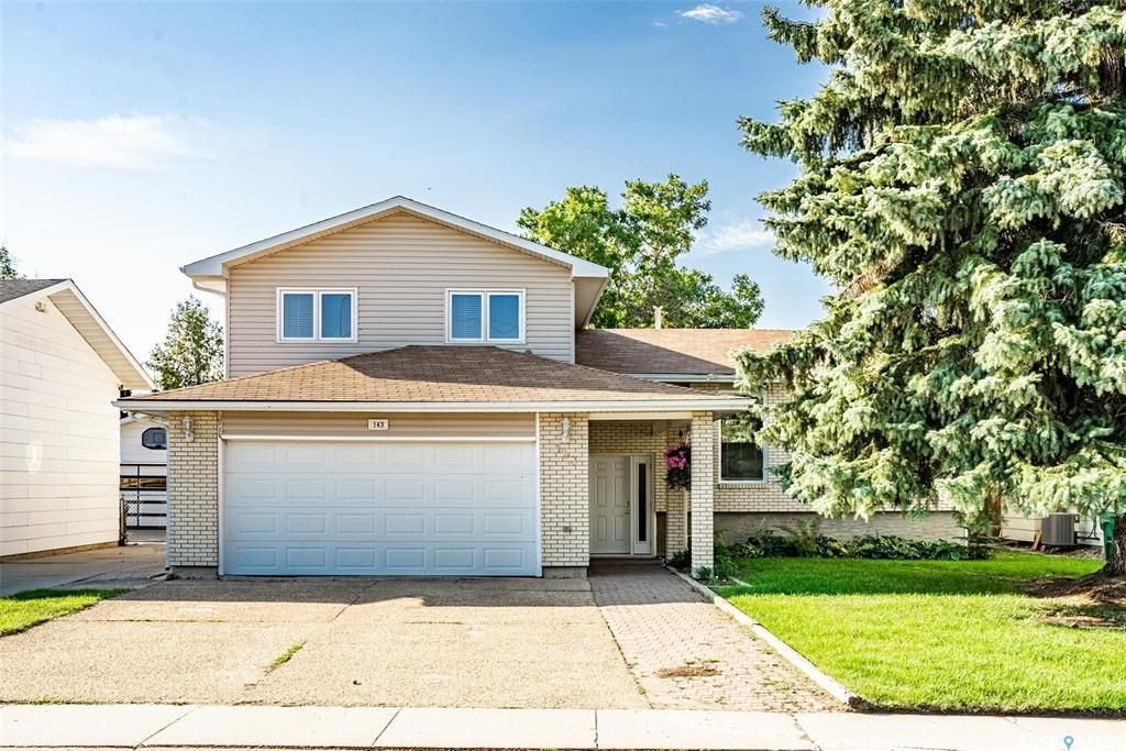Main Photo: 143 Candle Crescent in Saskatoon: Lawson Heights Residential for sale : MLS®# SK868549