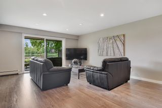 """Photo 2: 702 2445 WARE Street in Abbotsford: Central Abbotsford Townhouse for sale in """"Lakeside Terrace"""" : MLS®# R2389886"""