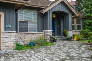 """Photo 2: 2489 138 Street in Surrey: Elgin Chantrell House for sale in """"PENINSULA PARK"""" (South Surrey White Rock)  : MLS®# R2414226"""