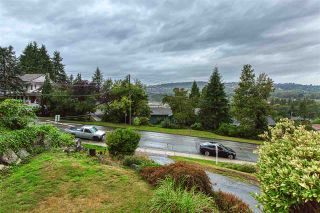 """Photo 2: 1618 WESTERN Drive in Port Coquitlam: Mary Hill House for sale in """"MARY HILL"""" : MLS®# R2404834"""