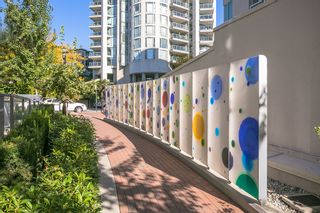 """Photo 23: 512 135 W 2ND Street in North Vancouver: Lower Lonsdale Condo for sale in """"CAPSTONE"""" : MLS®# R2212509"""