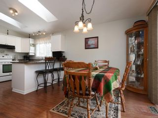 Photo 5: 2 7570 Tetayut Rd in : CS Hawthorne Manufactured Home for sale (Central Saanich)  : MLS®# 870811