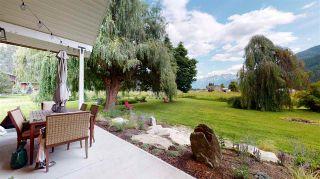 Photo 2: 8354 PEMBERTON MEADOWS Road in Pemberton: Pemberton Meadows House for sale : MLS®# R2478723