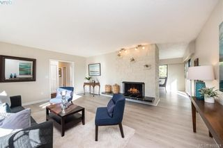 Photo 5: 1116 Nicholson St in VICTORIA: SE Lake Hill House for sale (Saanich East)  : MLS®# 806715