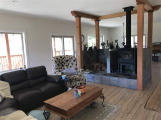 """Photo 9: 1900 PORT MELLON Highway in Gibsons: Gibsons & Area House for sale in """"Williamsons Landing"""" (Sunshine Coast)  : MLS®# R2447913"""