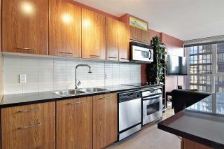 """Photo 6: 1808 1155 SEYMOUR Street in Vancouver: Downtown VW Condo for sale in """"THE BRAVA"""" (Vancouver West)  : MLS®# R2541417"""