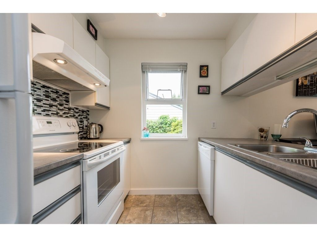 Photo 10: Photos: 1 2120 CENTRAL AVENUE in Port Coquitlam: Central Pt Coquitlam Condo for sale : MLS®# R2180338