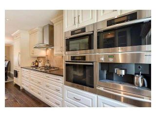 """Photo 2: 4687 HOSKINS Road in North Vancouver: Lynn Valley Townhouse for sale in """"Yorkwood Hills"""" : MLS®# V1130189"""