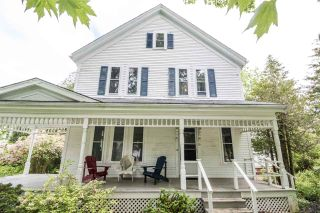 Photo 1: 50 MAIN Street in Wolfville: 404-Kings County Residential for sale (Annapolis Valley)  : MLS®# 201915900